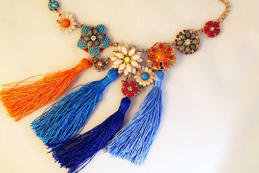 bold-multi-color-necklace