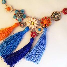 bold-multi-color-necklace