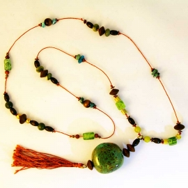 brown-green-turquoise-pendant-necklace