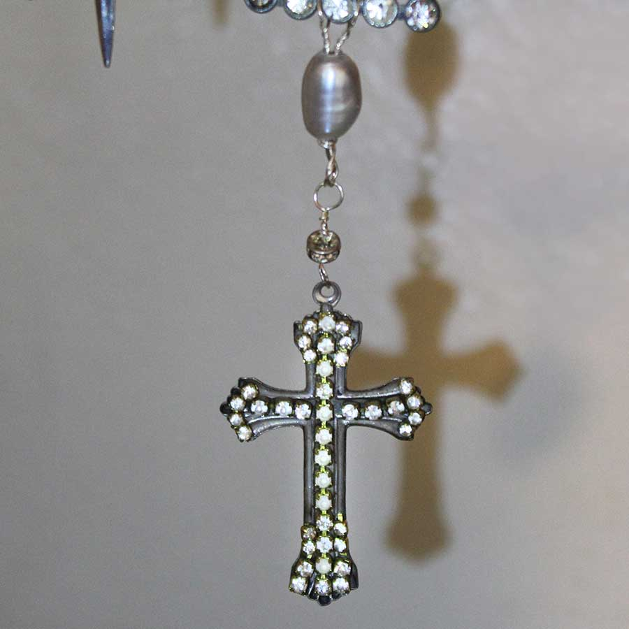 cross-pendant