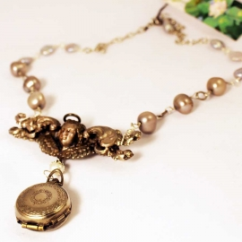 4-piece-locket-pearl-necklace