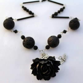 "16"" Black Lava & Rose Necklace"