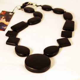 black-onyx-largeclasp-necklace