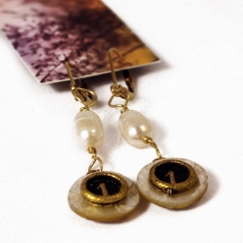 earrings-pearl-shell