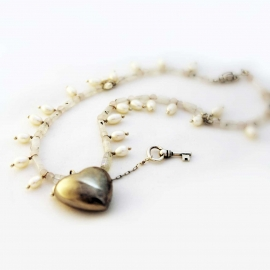 "16"" Silver Heart-n-Key Pearl Necklace"