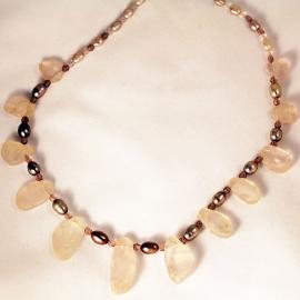 rosequartz-pearlnecklace
