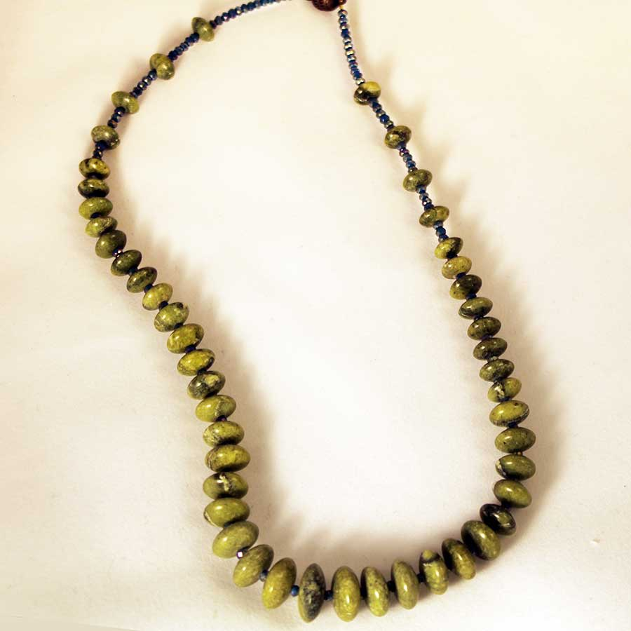 green-jade-blu-bead-necklace