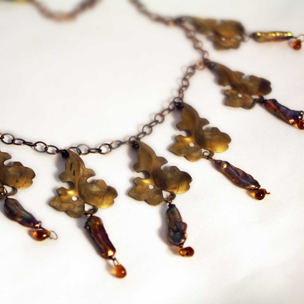 copperleaves-pearl-amber
