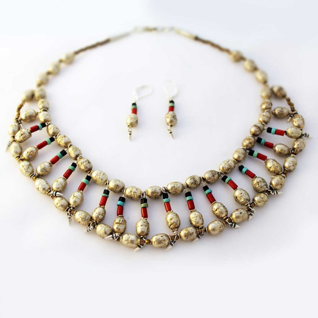 nefertiti-inspired-silver-necklace