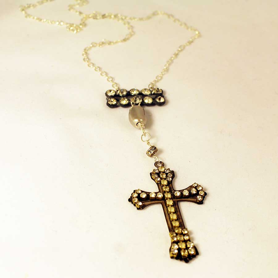 rhinestone-cross-necklace